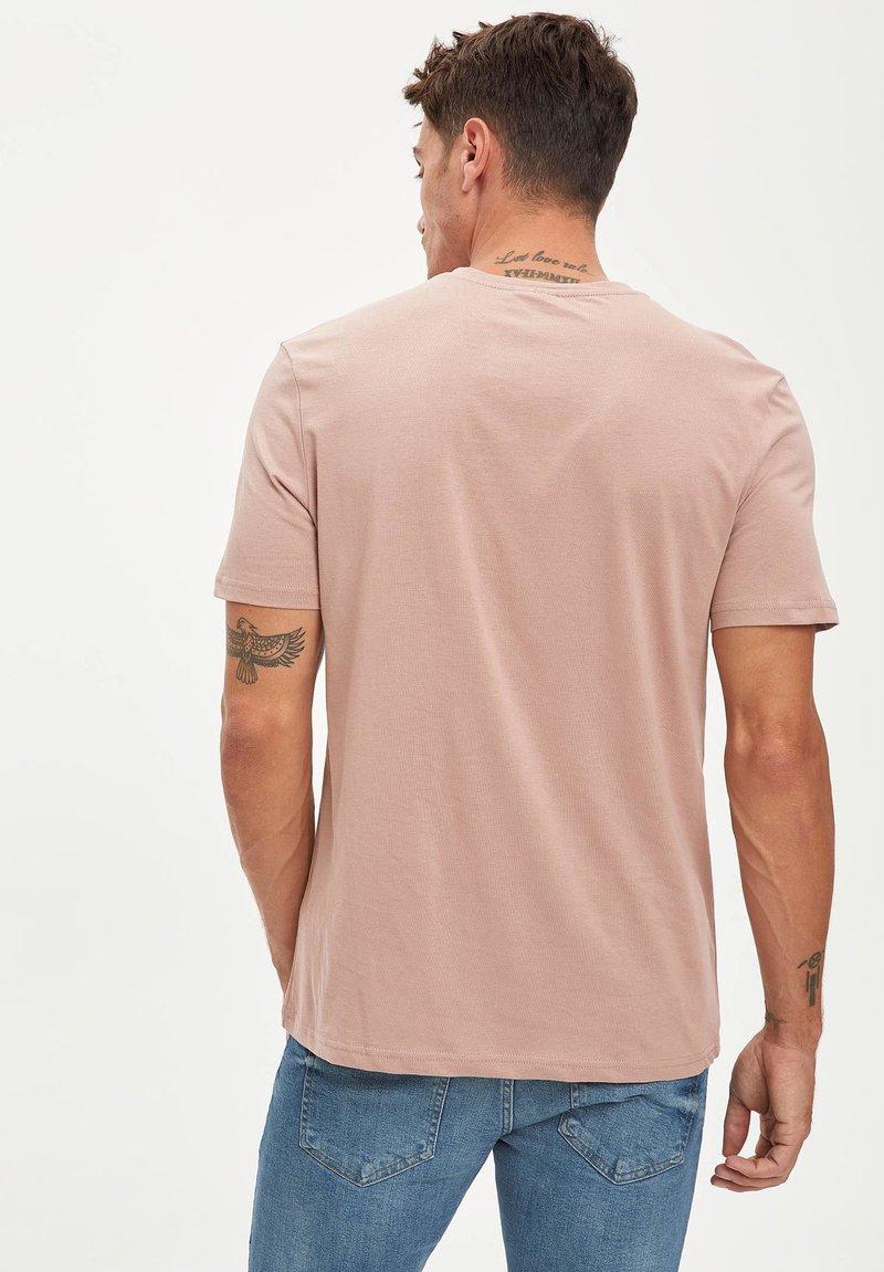 DeFacto T-Shirt basic - pink apOhVT