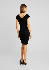 Forever New - CLAUDETTE RING DRESS - Etuikleid - black - 4