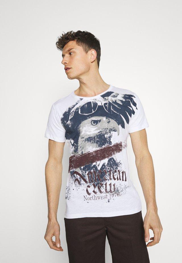 EVENT ROUND - T-shirt med print - white