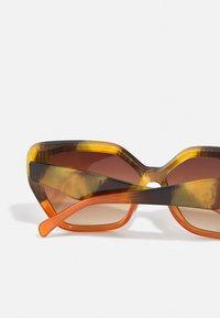 Marks & Spencer London - RETRO SQUARE - Sunglasses - orange - 2