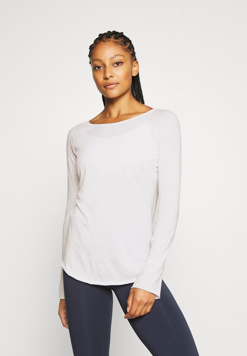 Yogasearcher - KARANI - Long sleeved top - white