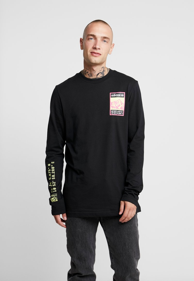 adidas Originals - STREETSTYLE GRAPHIC LONGSLEEVE TEE - Long sleeved top - black