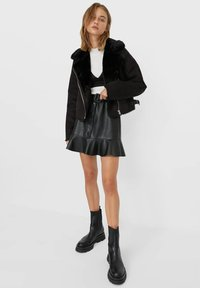 Stradivarius - Light jacket - black - 1
