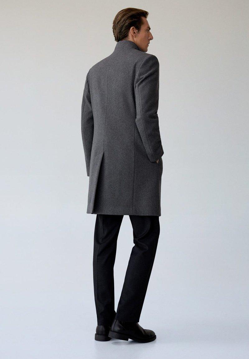 Mango FUNNEL - Wollmantel/klassischer Mantel - grau xklJvG