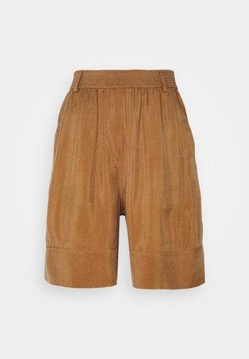 SHORT - Shorts - beige dark