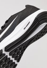 Nike Performance - DOWNSHIFTER  - Zapatillas de running neutras - black/white/anthracite/cool grey - 5