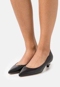 WEEKEND MaxMara - TARSO - Classic heels - schwarz - 0
