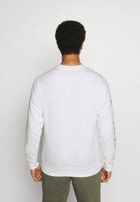 Nike Sportswear - CREW - Mikina - white - 2