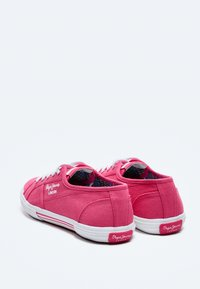 Pepe Jeans - ABERLADY ECOBASS - Trainers - fresa - 3