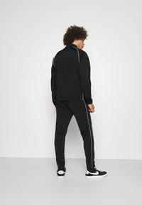 Nike Sportswear - SUIT SET - Sportovní bunda - black/white - 2