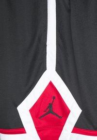 Jordan - JUMPMAN DIAMOND SHORT - Sportovní kraťasy - black/gym red/white/black - 2
