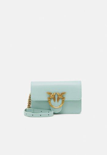 LOVE BABY ICON SIMPLY ANTIQUE - Across body bag - aqua green