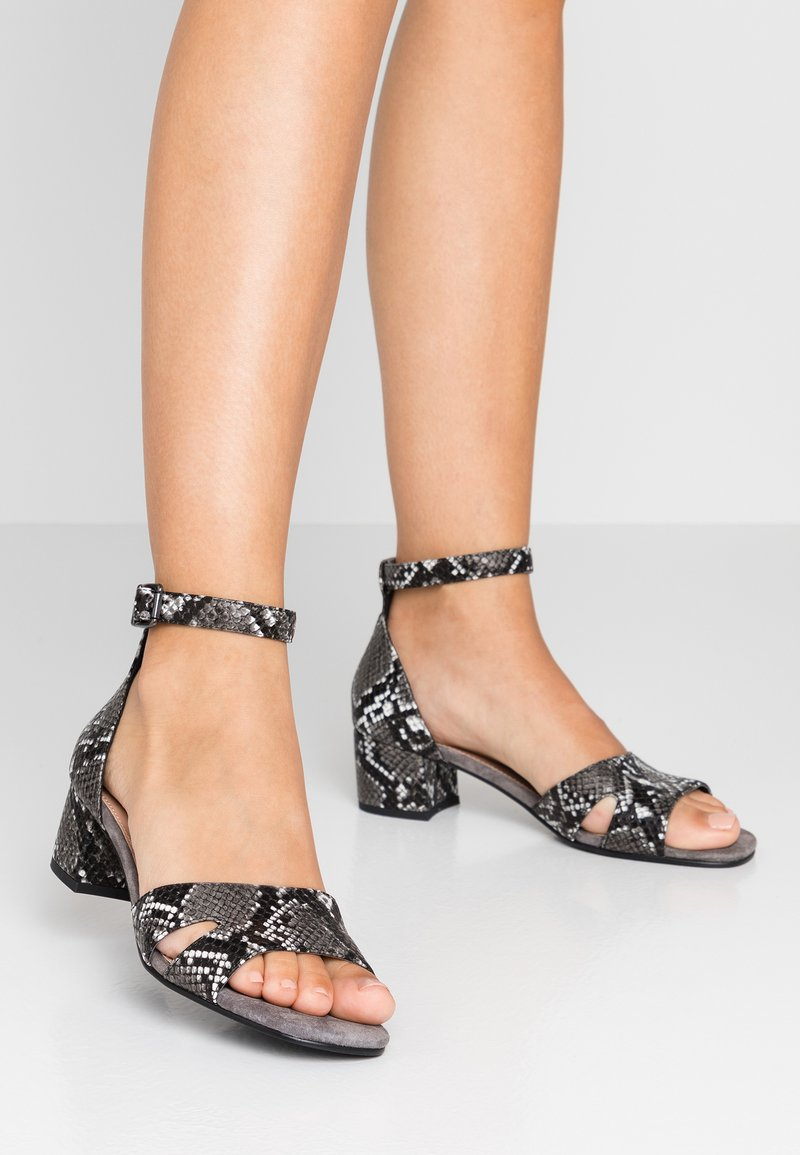 Anna Field Select - LEATHER SANDALS - Sandalen - black