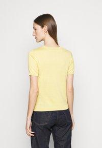 WEEKEND MaxMara - CAIRO - Basic T-shirt - zartgelb - 2