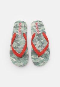 Levi's® - SOUTH BEACH UNISEX - Pool shoes - khaki - 3