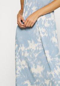 Tiger of Sweden Jeans - DAMONA - Sukienka z dżerseju - light blue - 5