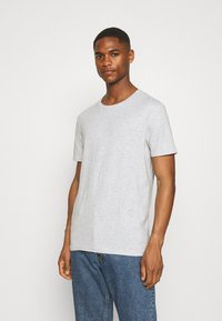 Pier One - 5 PACK - T-shirt basic - black/white/light grey - 1