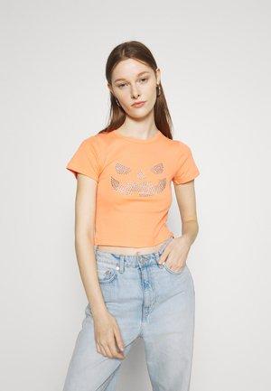 HOTFIX PUMPKIN TEE - T-shirt med print - orange