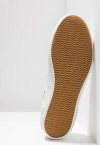 Lacoste - SIDELINE - Sneaker low - offwhite/dark green - 6
