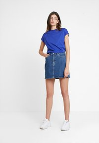 KIOMI - Basic T-shirt - clematis blue - 1