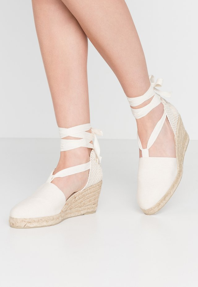 LACE UP WEDGES - Espadrilles - beige