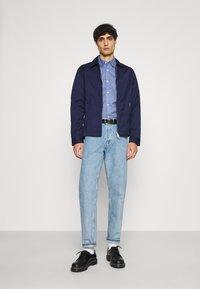 Tommy Hilfiger - FLEX GEO FLORAL PRINT REGULAR FIT - Shirt - copenhagen blue/white/ yale navy - 1