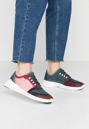 FIT - Sneakersy niskie - dark green/dark red
