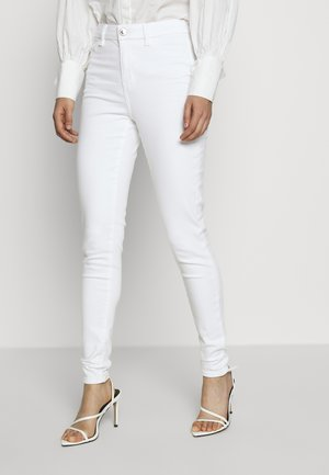 CURVY RISE - Jeansy Skinny Fit - bright white