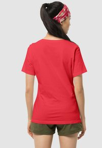 Jack Wolfskin - PARADISE - Print T-shirt - red - 1