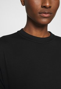 someday. - KUMI - Basic T-shirt - black - 4