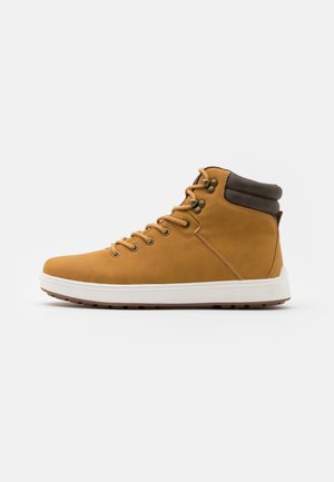 Sneakers high - camel