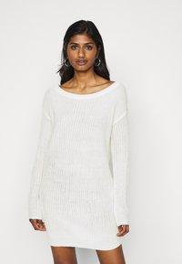Missguided Petite - AYVAN OFF SHOULDER DRESS - Jumper dress - white - 0