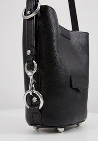 Rebecca Minkoff - UTILITY  BUCKET - Handbag - black - 6