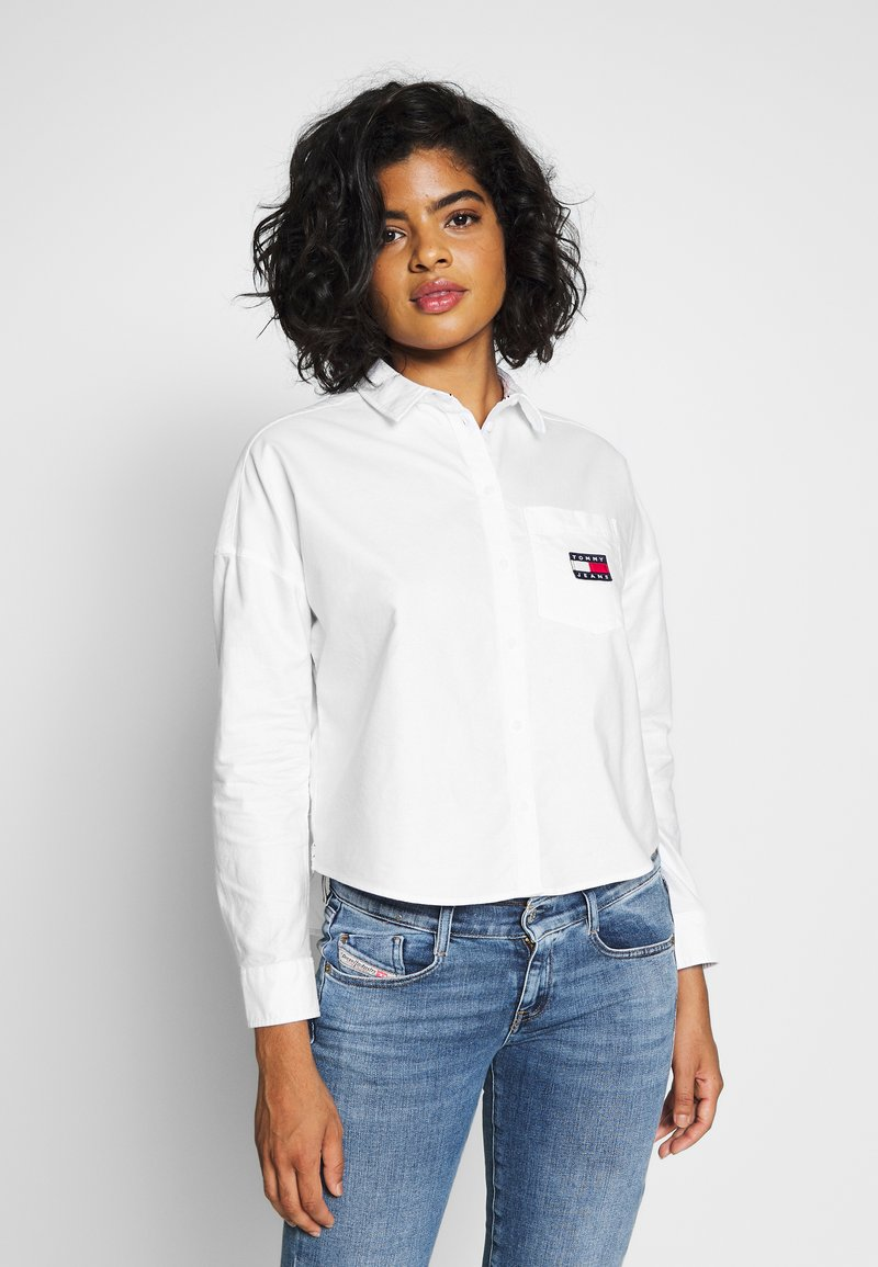 Tommy Jeans - BADGE - Button-down blouse - white