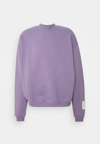 PURPLE OVERSIZED HIGHNECK - Mikina - purple