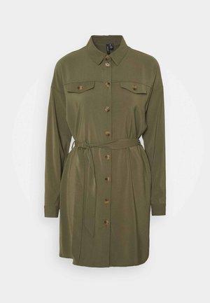 VMCOCO DRESS  - Skjortekjole - ivy green