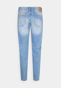 Only & Sons - ONSLOOM SLIM LIGHT BLUE DAMAGE - Slim fit jeans - blue denim - 6