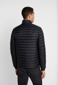 Tommy Hilfiger - CORE PACKABLE JACKET - Untuvatakki - jet black - 2