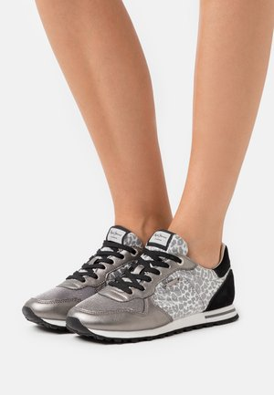 VERONA DAY - Zapatillas - silver