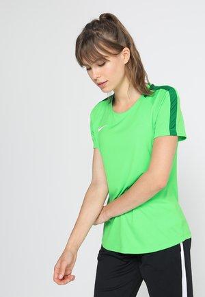 DRY - Print T-shirt - light green spark/pine green/white