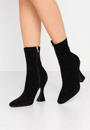 NOAH - High heeled ankle boots - black