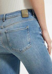 comma - Slim fit jeans - light-blue denim - 3