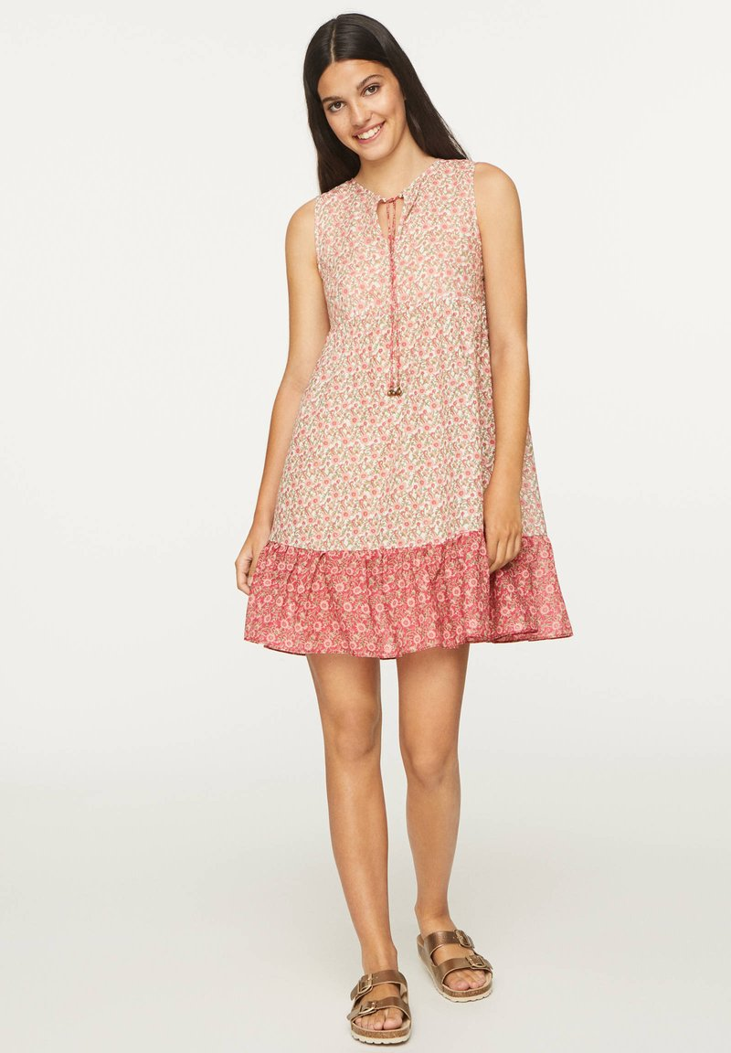 OYSHO - PINK INDIAN FLORAL COTTON NIGHTDRESS - Day dress - coral