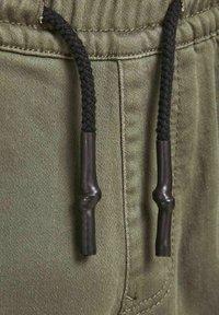 Jack & Jones Junior - Cargo trousers - dusty olive - 5