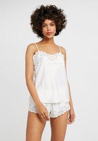 Lauren Ralph Lauren - CAMI TAP PANT SET - Pyjama set - ivory - 0