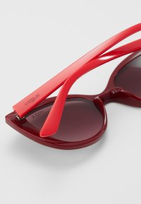 VOGUE Eyewear - SUN - Occhiali da sole - dark red/pink - 2