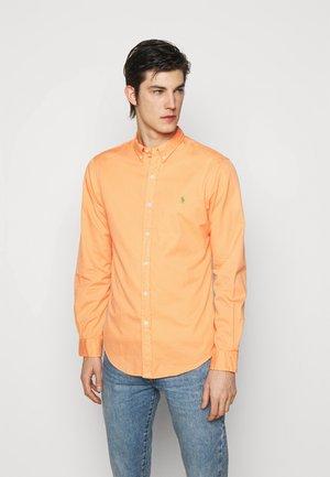 Camisa - classic peach