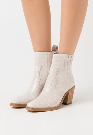 GENIVA - Classic ankle boots - taupe