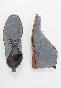 Burton Menswear London - BRAN CHUKKA - Veterschoenen - grey - 1
