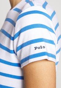 Polo Ralph Lauren - PIMA - Žerzejové šaty - white/rivera blu - 6